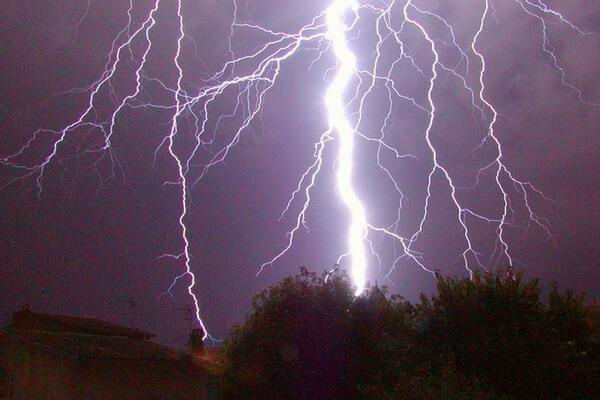 фото молнии удар