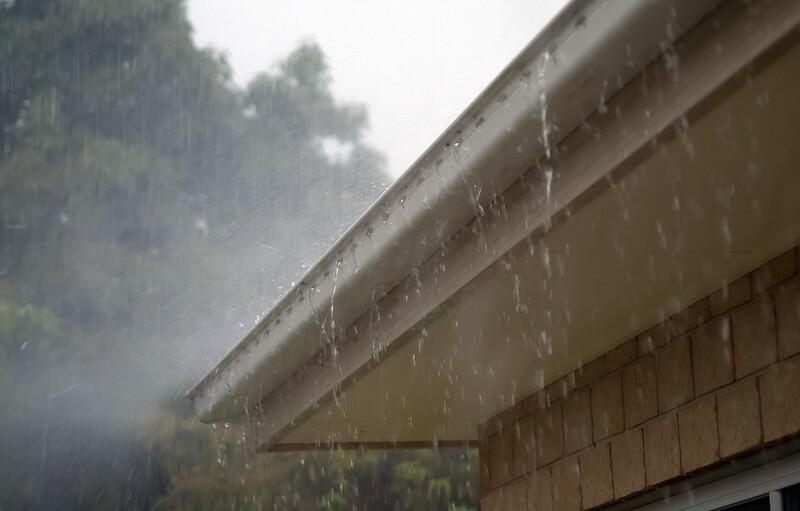 дождь на крыше